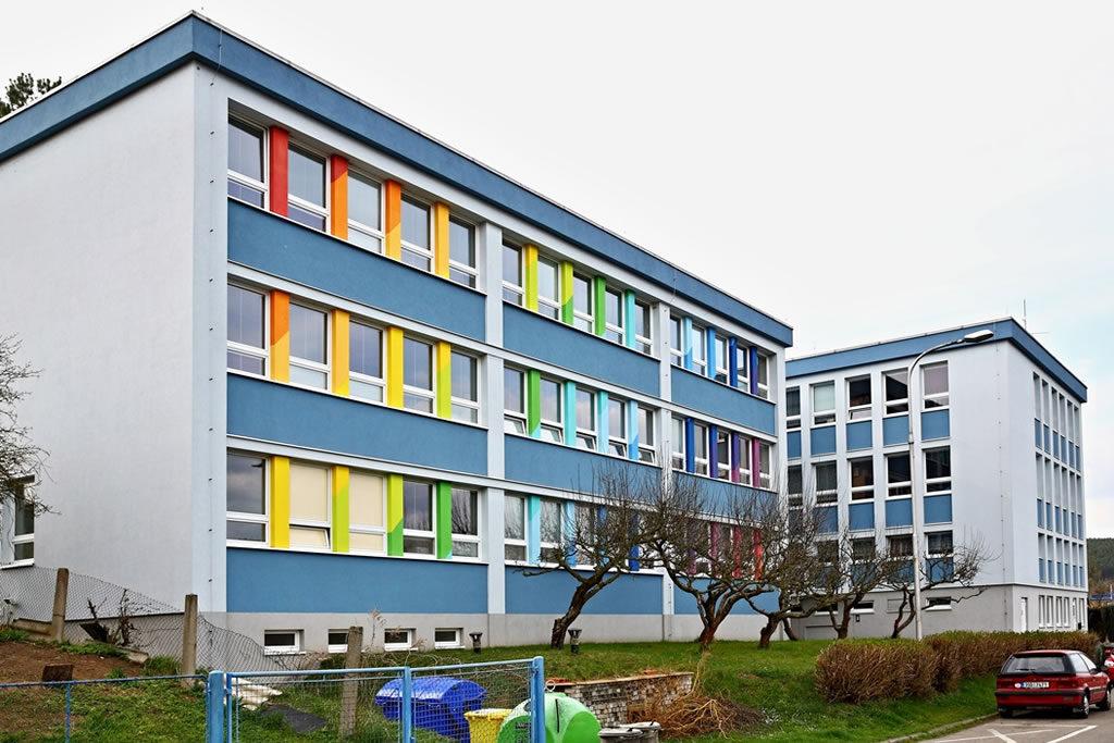 foto budovy ZŠ